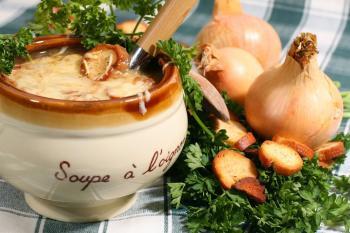 03-soupe-a-l-oignon-au-fromage-et-aux-croutons.jpg